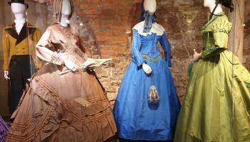 """Modes muzejā atklās izstādi """"Dāma krinolīnā"""""""