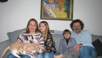Ciemos pie Mārtiņa Klišāna ģimenes