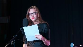 Baltajā dzejas slamā uzvar Kristīne Geida