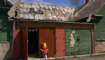 """Jēkabpilī durvis ver pasaku muzejs """"Butaforija"""""""