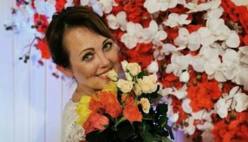"""Dziedātāja un dziesmu autore Santa Kasparsone: """"Mīlestība ir galvenais temats"""""""