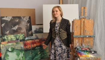 Alise Mediņa: Izstāde Sabilē ir kā mākslinieku orķestris, kurā esmu kāds stīgu instruments