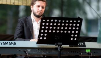 Rīta saruna ar komponistu un pianistu Kristu Saržantu