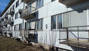 Latvijas laukos jāglābj daudzdzīvokļu mājas
