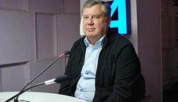 Jānis Urbanovičs: Meli un nesodāmības sajūta raksturo valdības darbu pandēmijas laikā