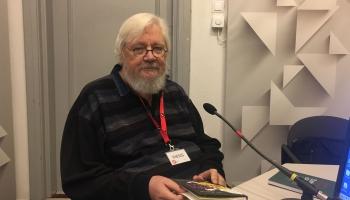 Slimības brīdī solidarizējamies ar Juri Kronbergu. Saruna ar dzejnieku no LR arhīva
