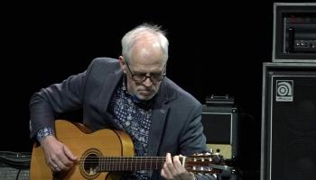 Populārajam ģitāristam Aivaram Hermanim - 65!