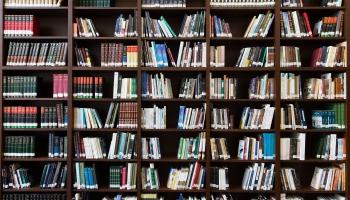 Ko tu tagad lasi? Klausītāji stāsta par grāmatām uz naktsgaldiņa