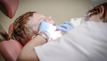 Что сегодня нужно знать о визите к стоматологу - советы латвийских и зарубежных врачей