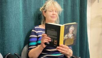 """Laila Hirvisāri romānā """"Viņas Augstība Katrīna II"""" turpina stāstu par ķeizarieni"""