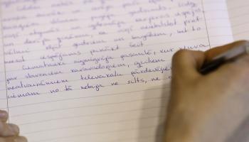 Valodas stunda: gatavojamies latviešu valodas diktātam