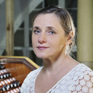 Ērģelniece Vita Kalnciema: 4. maijā neko citu nevar spēlēt kā vien latviešu ērģeļmūziku