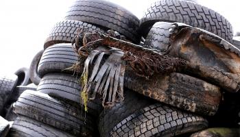 Izvairīties no liekiem atkritumiem svētkos. Riepu savākšana un pārstrāde