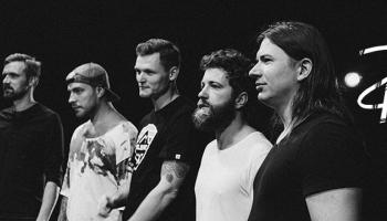 """Grupa """"DCH"""" izdevusi debijas albumu """"Mēness"""""""