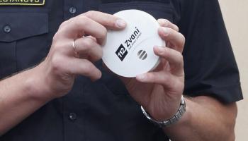 Mājokļos ir jābūt uzstādītiem dūmu detektoriem: kā tos pareizi ekspluatēt