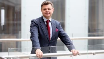 Jurists Agris Bitāns par Varakļuonim, teritorialū reformu, krīzi Saeimā i vieliešonom