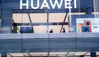 Eiropa dzirnakmeņos starp ASV un Ķīnu 5G tīkla attīstīšanā