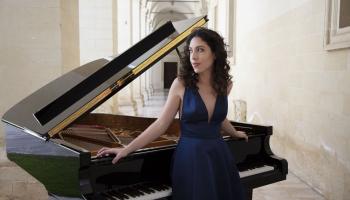 Pianistes Beatričes Ranas albums un Morisa Ravela Valsis