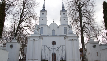 Viļānu katoļu baznīca. Vēsturiskā ekskursijā ved prāvests Rinalds Stankēvičs