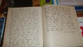 Pāršķirstām lasāmo materiālu Burtnieku novada Rencēnu pagastā