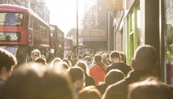 Повлияет ли новая имиграционная политика Великобритании на поток рабочей силы из Латвии?