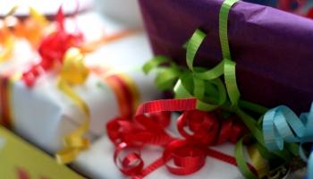 Почему мы постоянно дарим друг другу ненужные подарки?