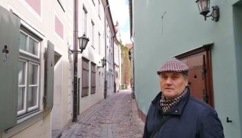 Rīgas bruģis grāmatā un ielās. Ekskursija laikā un telpā pa visu Rīgu