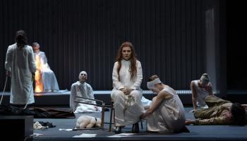"Vinčenco Bellīni opera ""Norma"" Hamburgas Valsts operā. Titullomā - Marina Rebeka"
