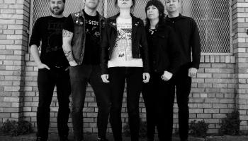 """Jaunākie """"postpunk/ gothic"""" albumi no ASV"""