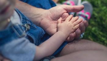 """Зависимости и созависимости: как воспитать ребёнка, не """"наградив"""" его комплексами?"""