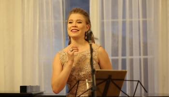 """Ļubova Karetņikova un Inna Davidova koncertzālē """"Artissimo"""""""