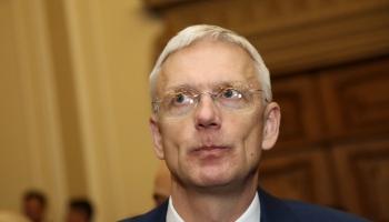 Политолог: эрозия доверия правительству добралась до Сейма