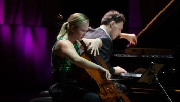 """Pārsteigumi festivālā """"Čello Cēsis"""" un kvartets RIX sarunās un mūzikā VEF Kultūras pilī"""
