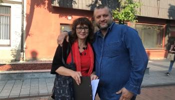 Divu mākslinieku tandēms dara svētkus Daugavpils Rīgas ielai