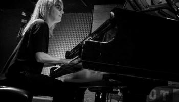 Reiz ērģelniece kļuva par džeza pianisti, lai spēlētu savu mūziku. Stāsta Agita Rando