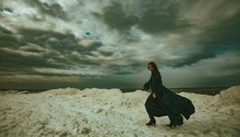 """Katrīna Gupalo ar dziesmu """"Agonija"""" cīnās pret depresiju un nāvīgu iznākumu"""