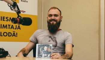 """Arturs Gruzdiņš laiž klajā debijas albumu """"Aplī"""""""
