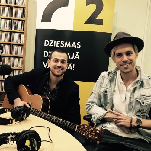 Markus Riva un Edgars Jass ar jaunu dziesmu un dzīvo izpildījumu studijā