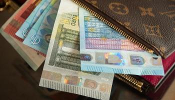 FKTK: Grūti prognozēt, cik bankas izturēs aso konkurenci Latvijā banku pakalpojumu tirgū