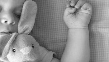 Vai miega stāsts var iemidzināt pat grūtāk iemidzināmos bērnus?