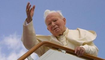 Pāvesta Jāņa Pāvila II simtgade: Viņa nozīme Eiropas vēsturē un Baltijā