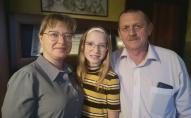 Beļinsku ģimenē Elīnas cīņa ar slimību mijas ar meitenes triumfu mūzikas konkursos
