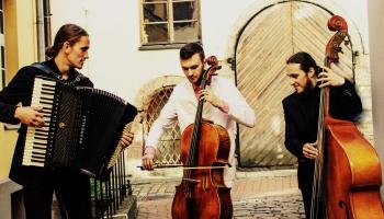 """Par trio """"Tangoriginales"""" koncertu """"Bahs Ziemassvētkos"""" stāsta Marks Viļenskis"""