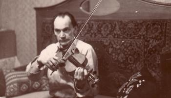 Vai zini, ka mūsu slavenais vijoļmeistars Dreika savām vijolēm devis sieviešu vārdus?