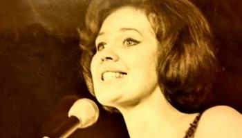 Dziedātājai Aino Bāliņai - 85!