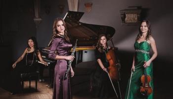 """Svētki, parūkas, tērpi un grims – """"Latvian Sound Quartet"""" rīko Vīnes balli"""