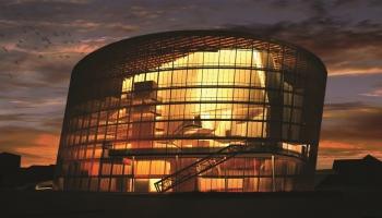 Путешествуем по Латвии: в Лиепае возобновились экскурсии по городу и концертному залу