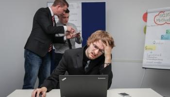 Экономика Латвии ежегодно теряет 112 миллионов евро – из-за мигрени