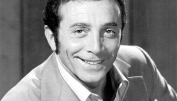 Amerikāņu dziedātājs Els Martino
