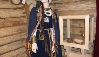 Tērvete: zemgaļu dzīves ainas koka pilī, Annas Brigaderes dzīves mirkļi Sprīdīšos